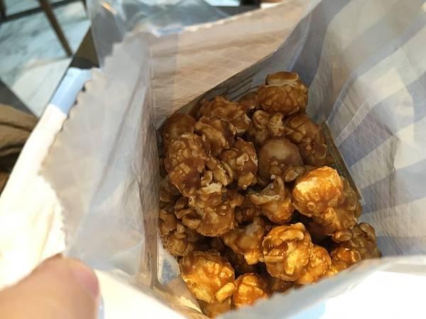 garrett popcornIMG_0166.JPG