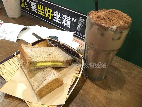 金福氣南洋食堂恐龍美祿.JPG