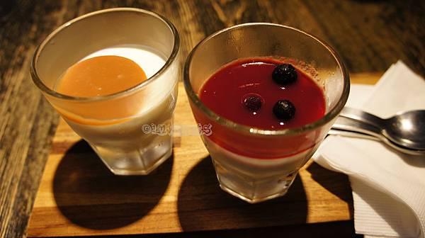 鬍子餐酒野莓鮮奶酪焦糖鮮奶酪.JPG