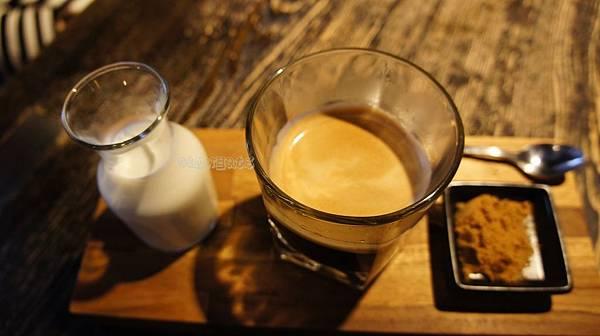 鬍子餐酒黑糖咖啡.JPG