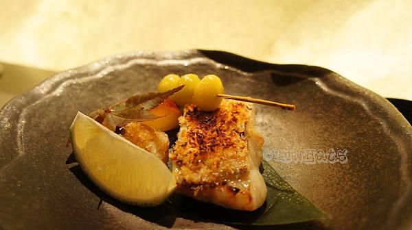 允壽司馬頭魚西京燒搭鹽烤新鮮銀杏及金時地瓜.JPG