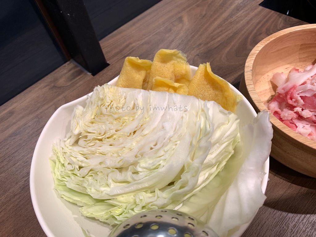 高麗菜與蛋餃.jpg
