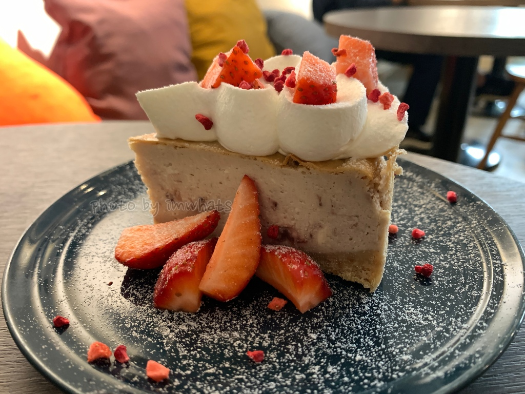 IMG_1558草莓起士蛋糕.JPG