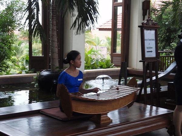 lobby會有專人演奏音樂