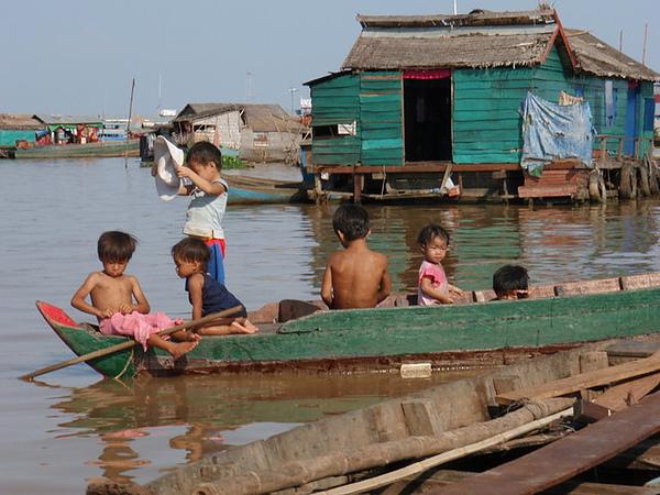 柬埔寨小孩