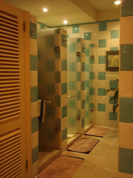 游泳完也可以來這裡沖澡