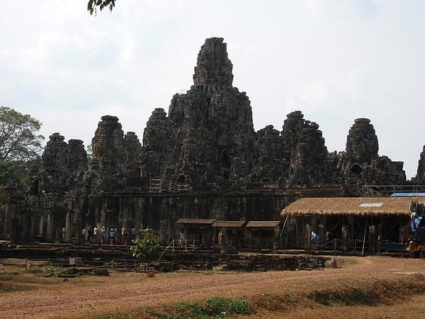 巴戎廟共54座塔