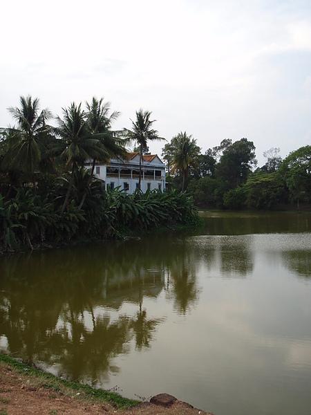 巴孔寺外的護城河