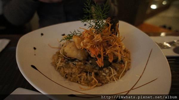 地中海蒜香茄汁海鮮燉飯.JPG