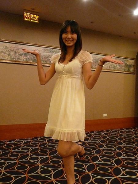 巧慧的高腰裝顯得身材更好!!