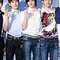 130321 記者會 新聞圖(Hoya&SJ&WH)