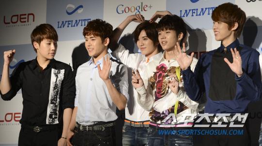 130321 記者會 新聞圖(SG&Hoya&SJ&WH&SY)