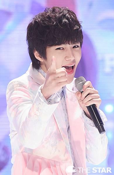 130403 Show Champion新聞圖 (14)