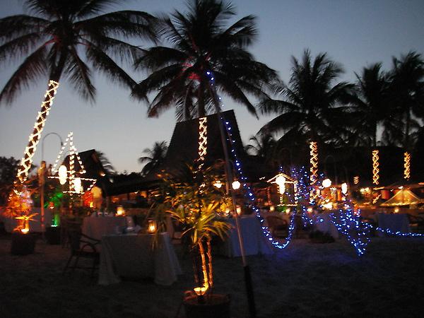 Boput海邊都是浪漫的燭光餐廳.JPG