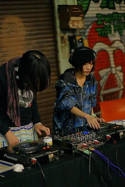 素人DJ:Bounce Girlz