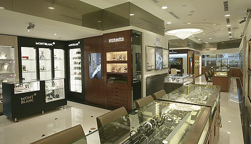 豪華鐘錶公司