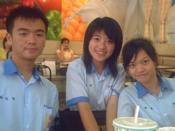 左1是學弟
