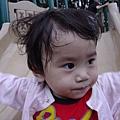 20070422 溜滑梯之頭髮超亂