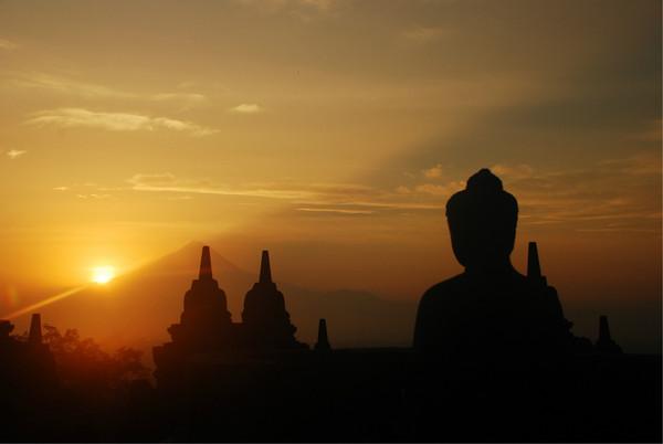 跟著印尼新娘探尋神秘古國遺留的瑰寶--日惹