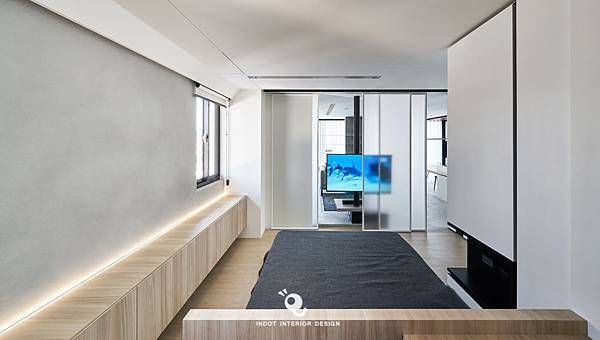 INDOT_HOUSE1-090.jpg