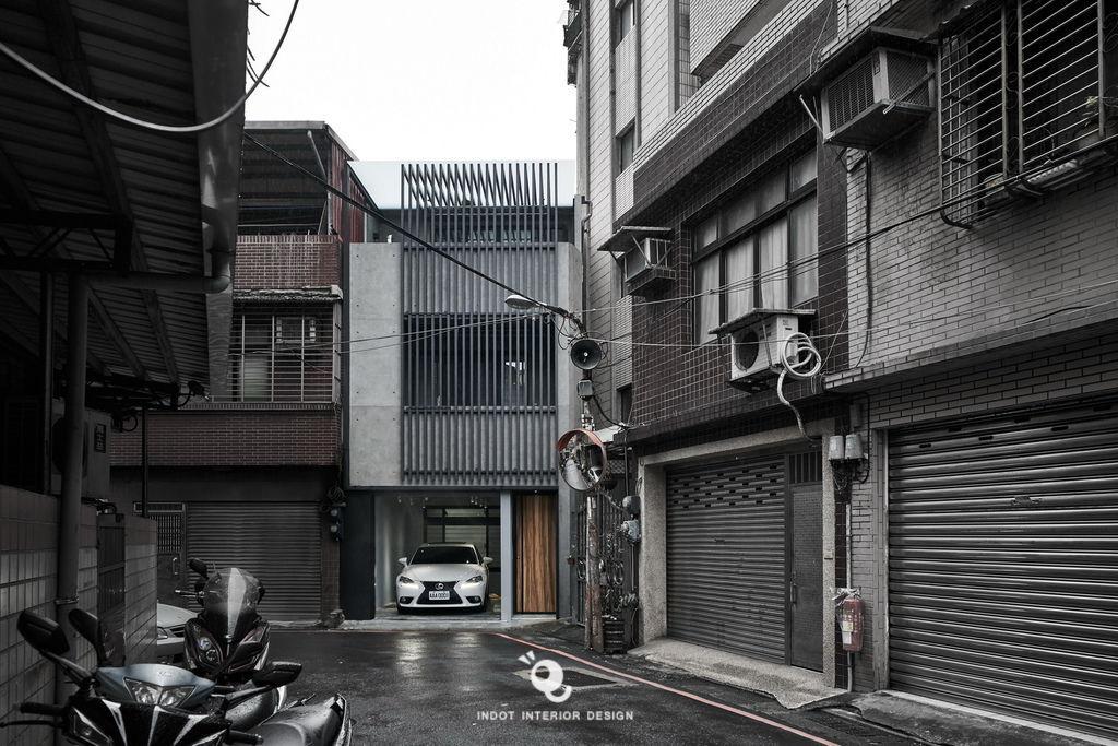 INDOT_Ruin-Renew_Exterior-025.jpg
