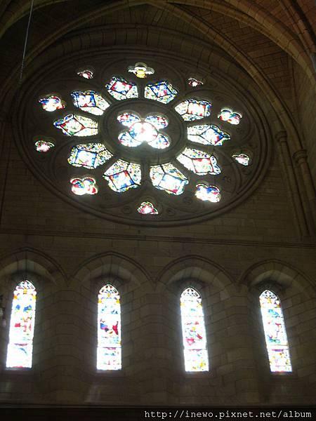每一個窗都是美麗的圖案
