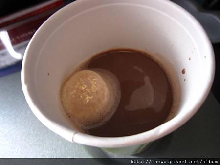 還給一杯巧克力棉花糖!!超棒的~!
