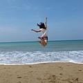 跳到海中央