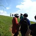 抵達山上的草原!!