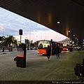 往返國際與國內機場、市區接駁車