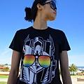 在伯斯市區失心瘋買了新眼鏡和transformer的男版T恤~