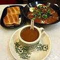 第一餐 胡亂點的咖哩麵和咖椰吐司