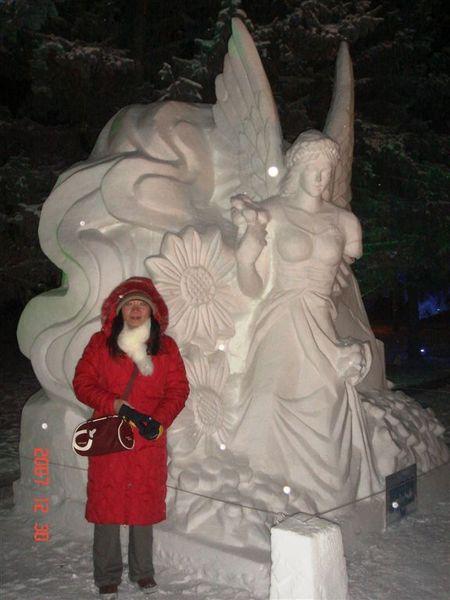 也是雪作的雕像