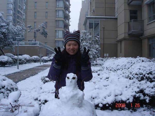 跟室友一起隨便堆的雪人.JPG