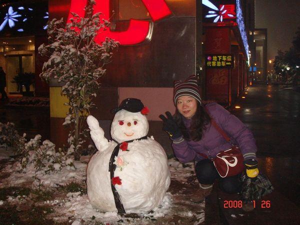 路人堆的雪人.JPG