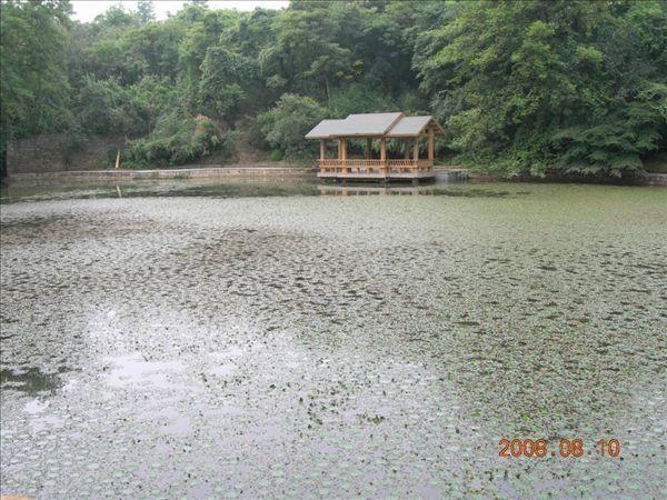 善卷洞入口之湖.jpg