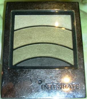 Integrate 外殼閃光.JPG