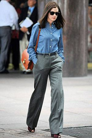 Anne-Hathaway_glamour_10jul14_rex_b_592x888.jpg