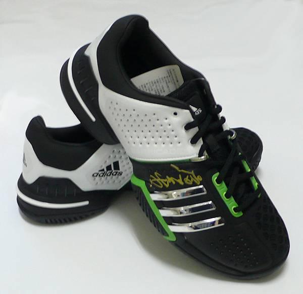 運動鞋1.JPG