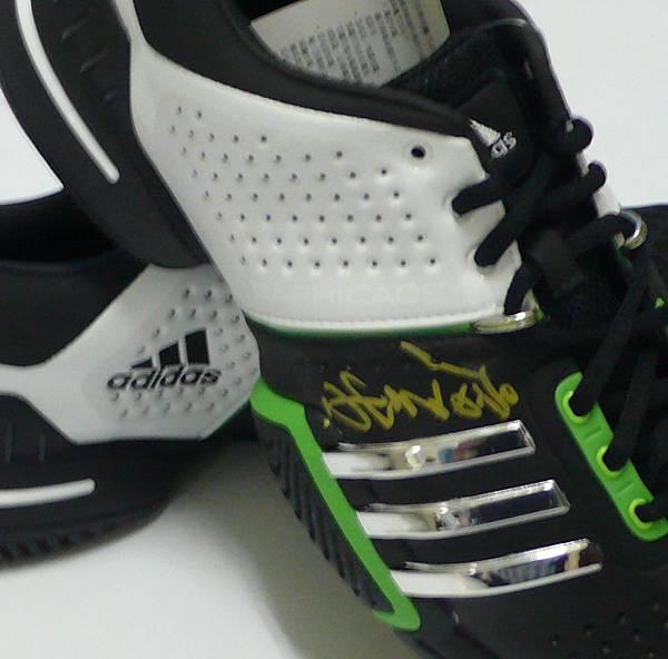 運動鞋2.jpg