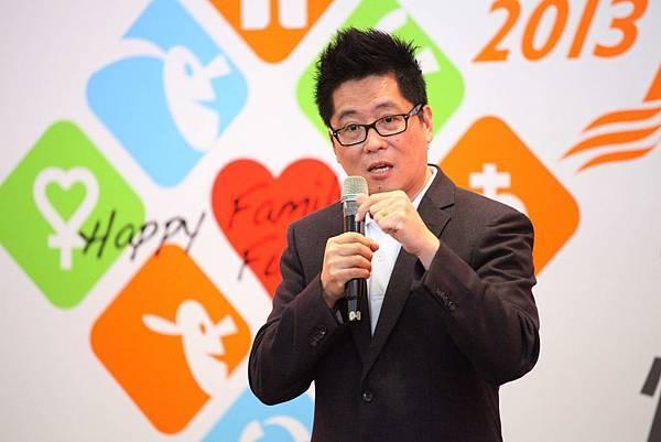 台灣世界展望會會長南岳君表示,許多兒童不幸福的問題即源自破碎的家庭(台灣世界展望會)