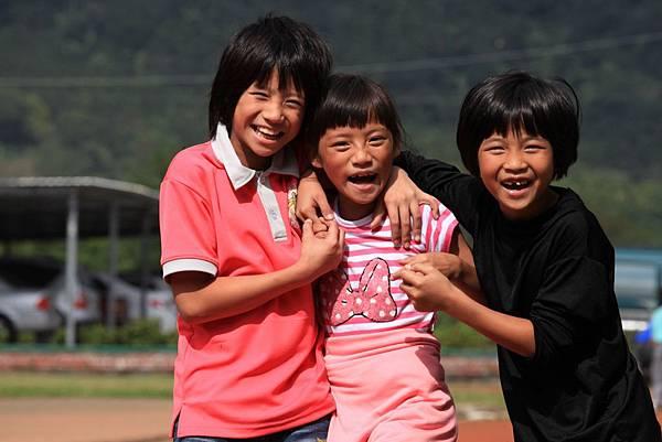 台灣世界展望會重視兒童健康成長與教發展,特別為國內貧童打造「投資豐盛生命」計畫,全面照顧這群易受社會忽略的孩子與家庭。(台灣世界展望會提供)