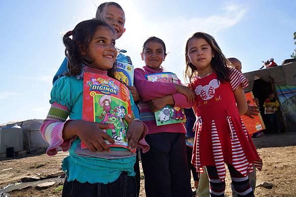 黎巴嫩貝卡區的敘利亞難民童對上學充滿期待-台灣世界展望會提供