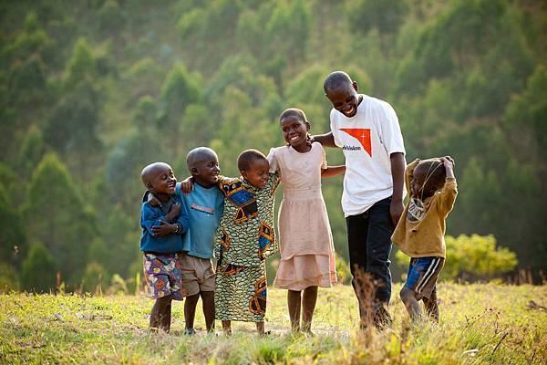 世界展望會以兒童福祉為關顧重點,獲評選為全球Top500第10優良非政府組織-台灣世界展望會提供