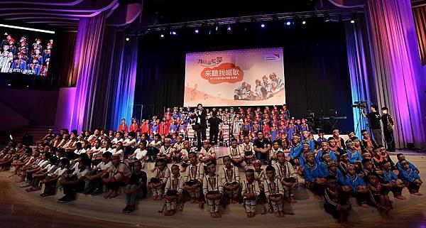 台灣兒童合唱團用歌聲傳達對資助人的感謝(台灣世界展望會提供) (2)