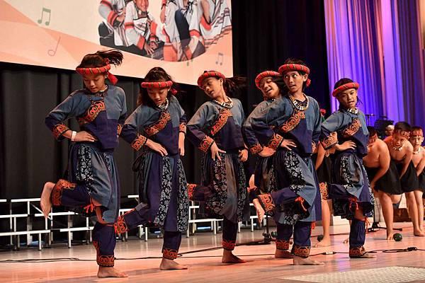 台灣兒童合唱團用歌聲唱出生命的感動(台灣世界展望會提供)  (2)