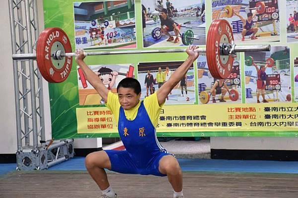今年國三的何昇洋表示未來要繼續加油,一邊練舉重一邊讀書,成為一名體育老師,讓爸爸不再那麼辛苦,家中情況也能越來越穩定。(台灣世界展望會提供)