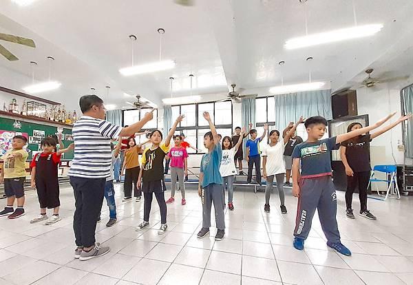 台灣兒童合唱團將於8月16_26日訪問馬來西亞,在當地華人教會進行巡迴演唱。孩子們從8月開始密集練習,期盼用歌聲傳遞台灣的文化風采2。(台灣世界....jpg