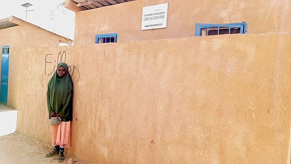 學校衛生社團團長法蒂拉,因為展望會在她的校園興建男女個別的廁所空間,改善她的學習環境 (台灣世界展望會提供).jpeg