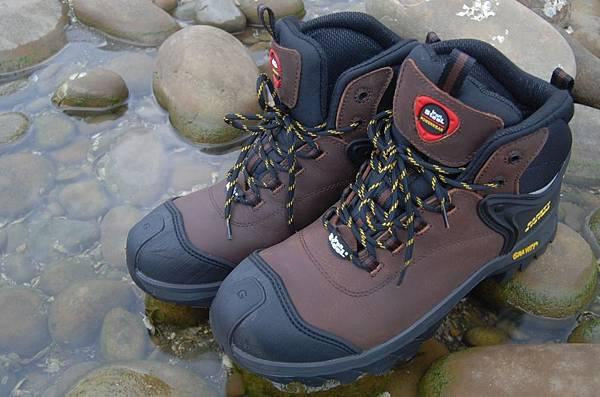 IronSteel工作安全鞋23